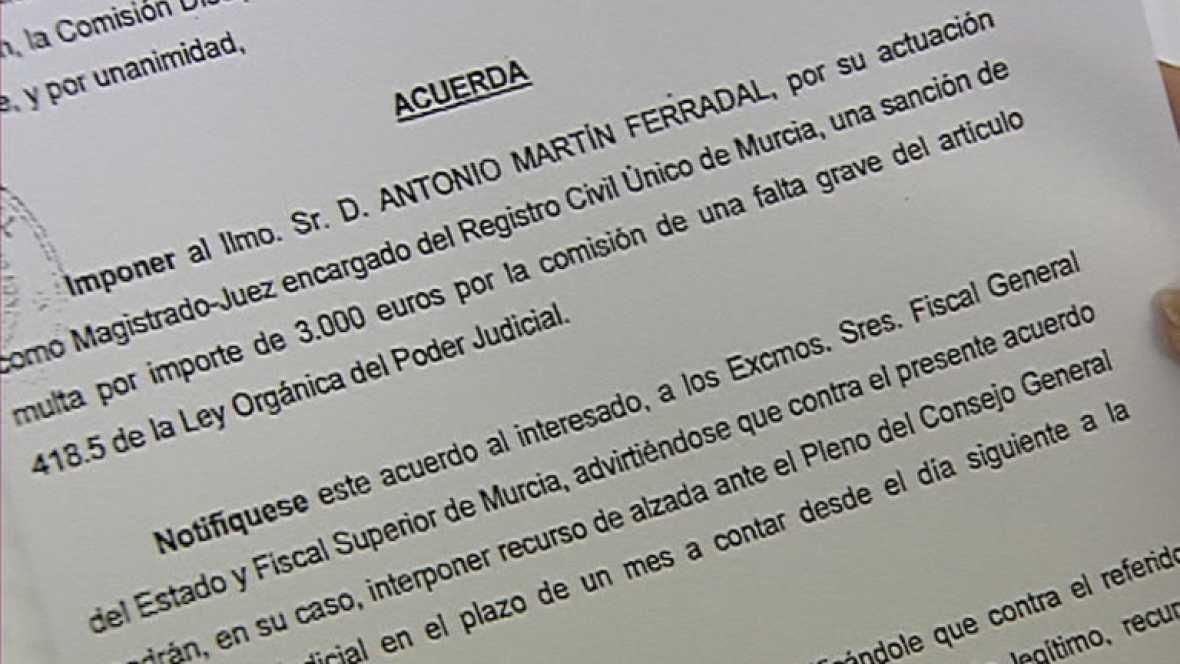 Un juez de Murcia sancionado por insultar