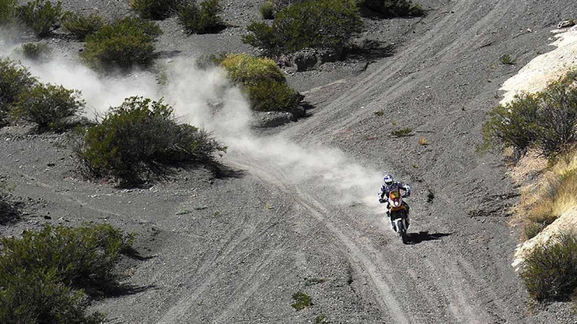 El piloto francés Cyril Despres (KTM) ha arrebatado al español  Marc Coma (KTM) el liderato de la categoría de motos en el Dakar 2012  tras apuntarse este martes la tercera etapa, celebrada entre las  localidades argentinas de San Rafael y San Juan,