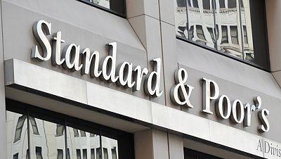 S&P rebaja la nota de la deuda de España y quita a Francia la triple A