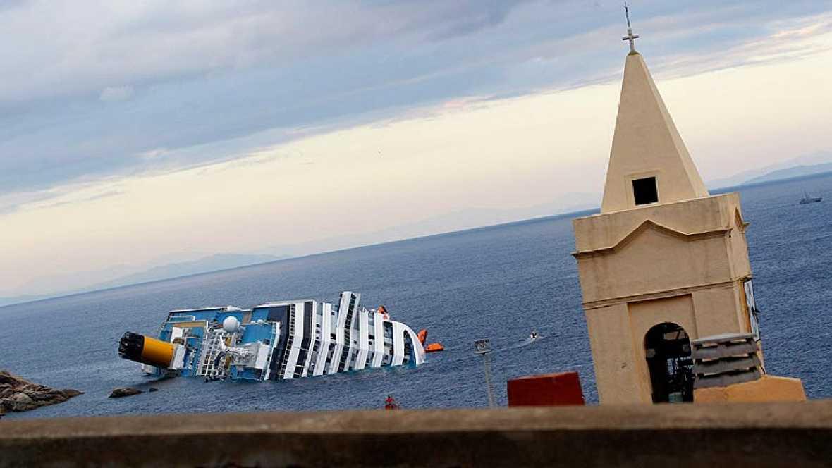 Los expertos investigan el accidente del crucero hundido en Italia