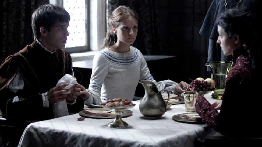 Isabel - Pelea con la reina Juana