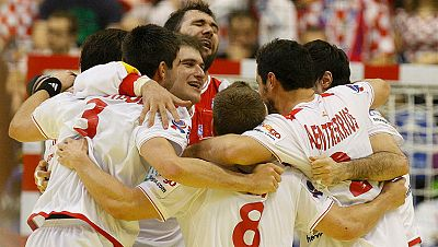 La selección española de balonmano se ha impuesto 31-26 a Islandia, lo que le otorga el pase a semifinales del Europeo de balonmano.