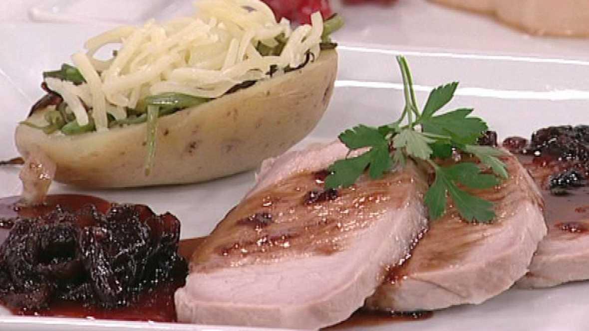 Lomo a la sal con patatas rellenas y salsa de cebolla (03/02/2012)