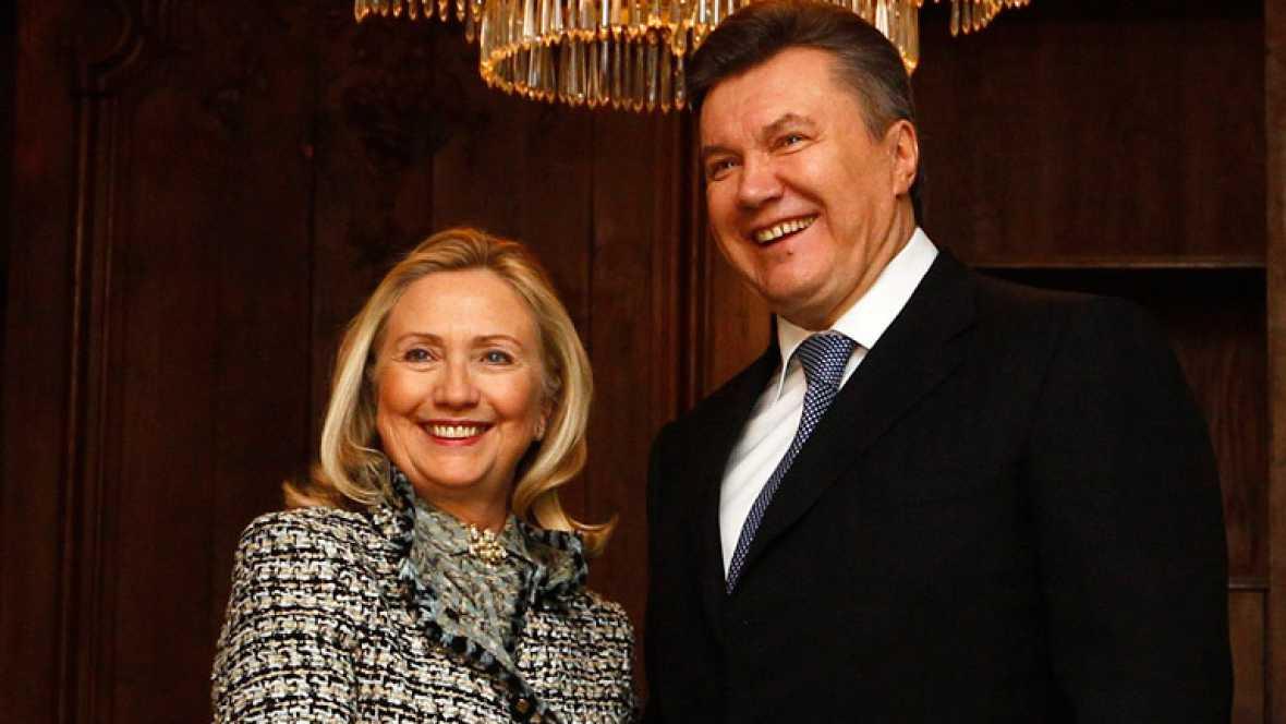 Hillary Clinton condena la violencia en Siria
