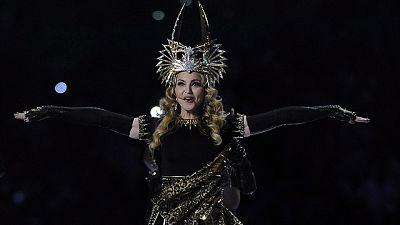 Más Gente - Madonna presenta 'Give Me All Your Luvin'