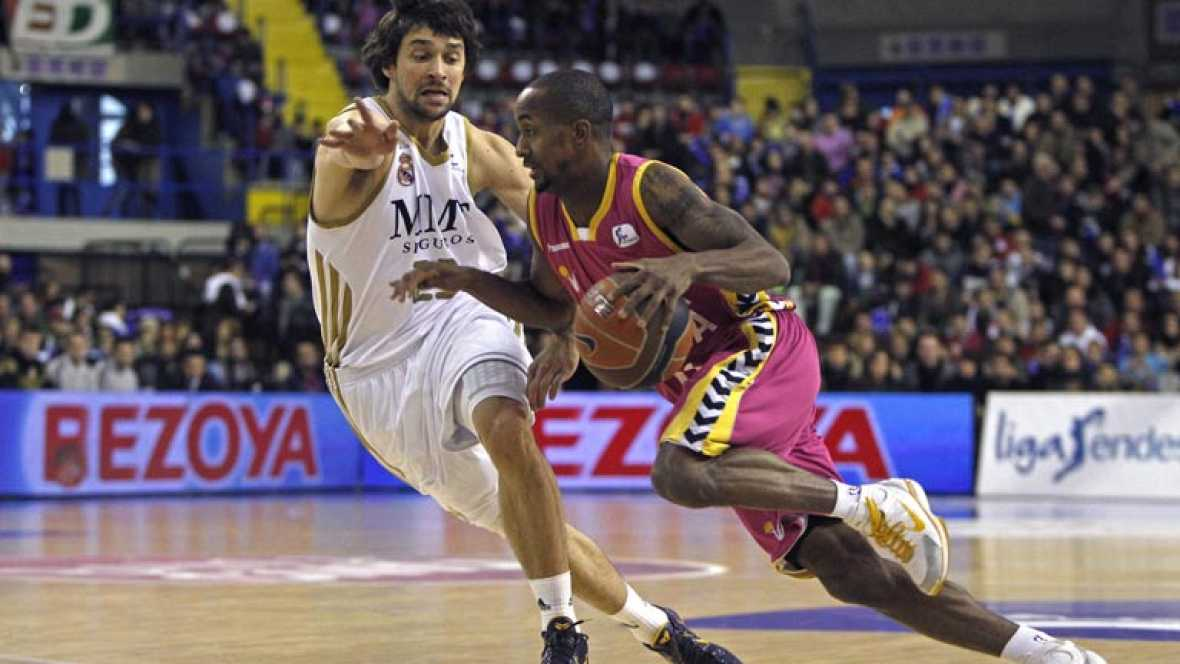 Banca Cívica 63-98 Real Madrid