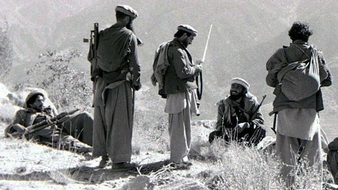 El ejército soviético y los muyaidines armados por Estados Unidos y los países árabes mantuvieron un sangriento conflicto que se convirtió en una de las últimas guerras interpuestas de la Guerra Fría.