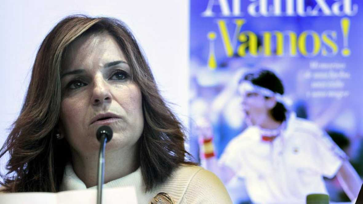 La ex tenista Arantxa Sánchez Vicario, actual capitana del equipo español de Copa Federación, ha presentado su biografía '¡Vamos!', en la que critica duramente a sus padres.