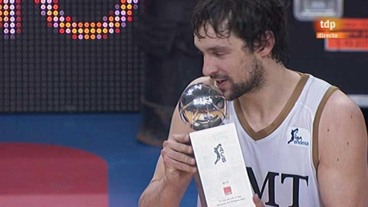 El conjunto blanco gana la final al Barcelona por 74-91, logrando su 23º título. Llull fue el máximo anotador y elegido MVP de la final