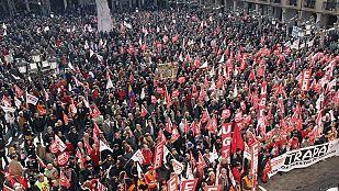 Decenas de miles de personas han salido a la calle en toda España para manifestarse contra la reforma laboral