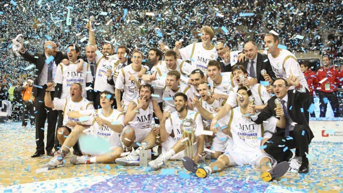El Real Madrid es el Rey de Copas de baloncesto después de ganar al Regal Barcelona en la final del Palau Sant Jordi por 91-74. Sergio Llull, base madridista, fue el mejor del partido.