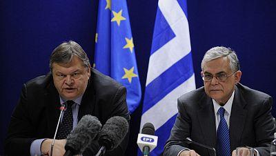 Lukas Papadimos ha calificado el acuerdo de histórico