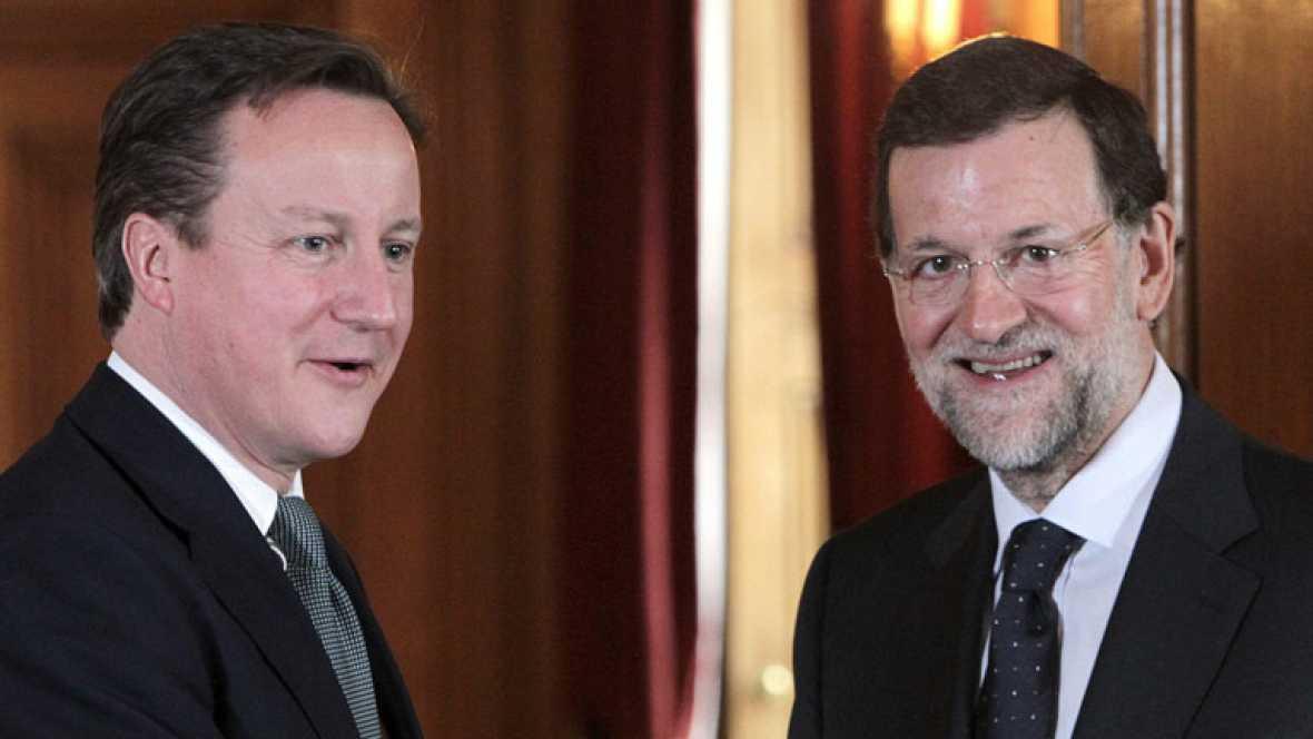 Mariano Rajoy y David Cameron repasan la crisis y la situación europea