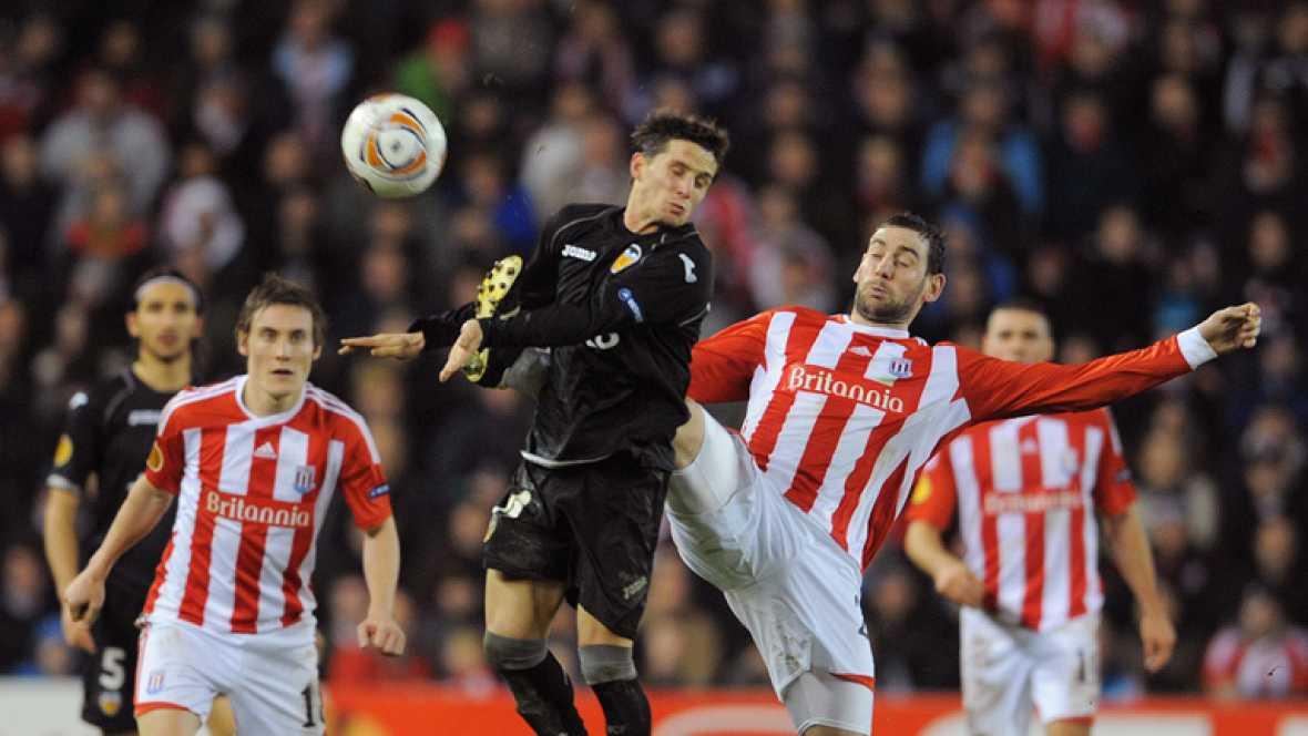 El Valencia se enfrenta este jueves al Stoke City inglés con la intención de sellar su pase a octavos de final de la Europa League. Mientras, el Atlético se mide a la Lazio con la renta obtenida en tierras italianas (1-3). Más complicado lo tiene el