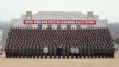 Delegados de Estados Unidos y Corea del Norte han iniciado este jueves en Pekín el primer contacto oficial entre ambos países desde la muerte del líder norcoreano Kim Jong-ily la sucesión de su hijo, Kim Jong-un.