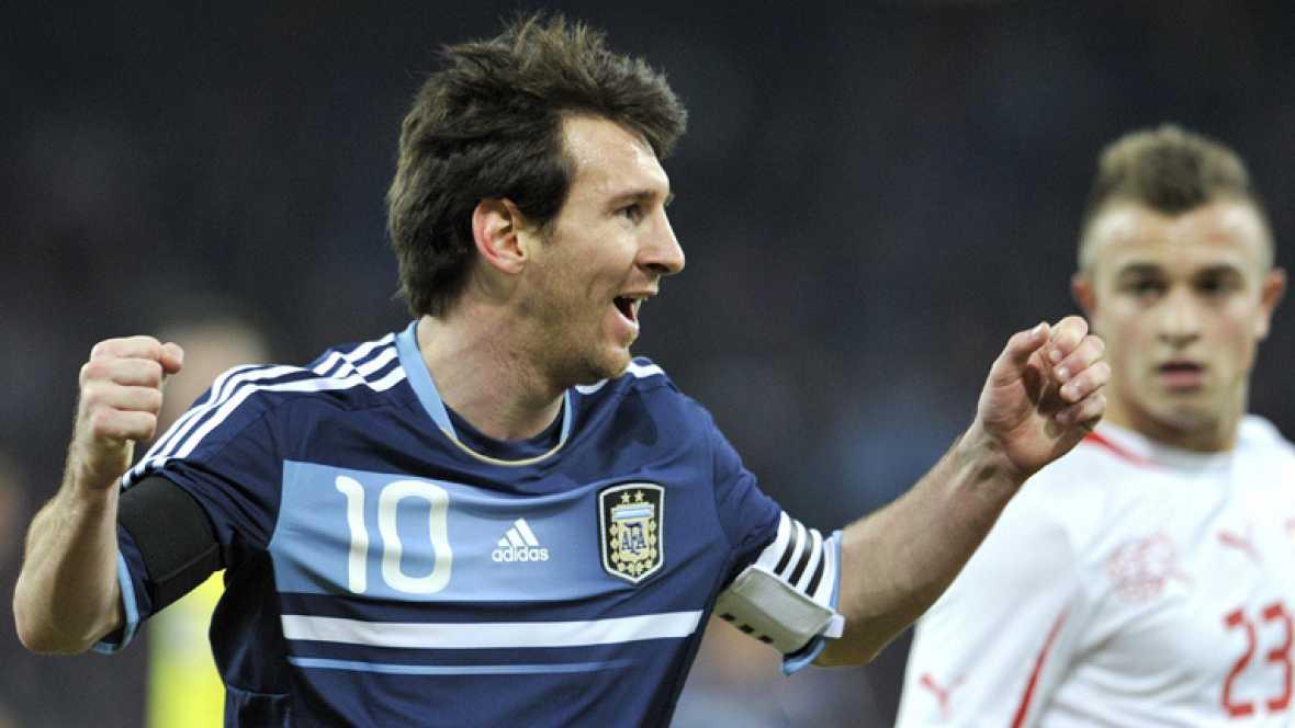 Victoria de Argentina con 'hat-trick' de Messi