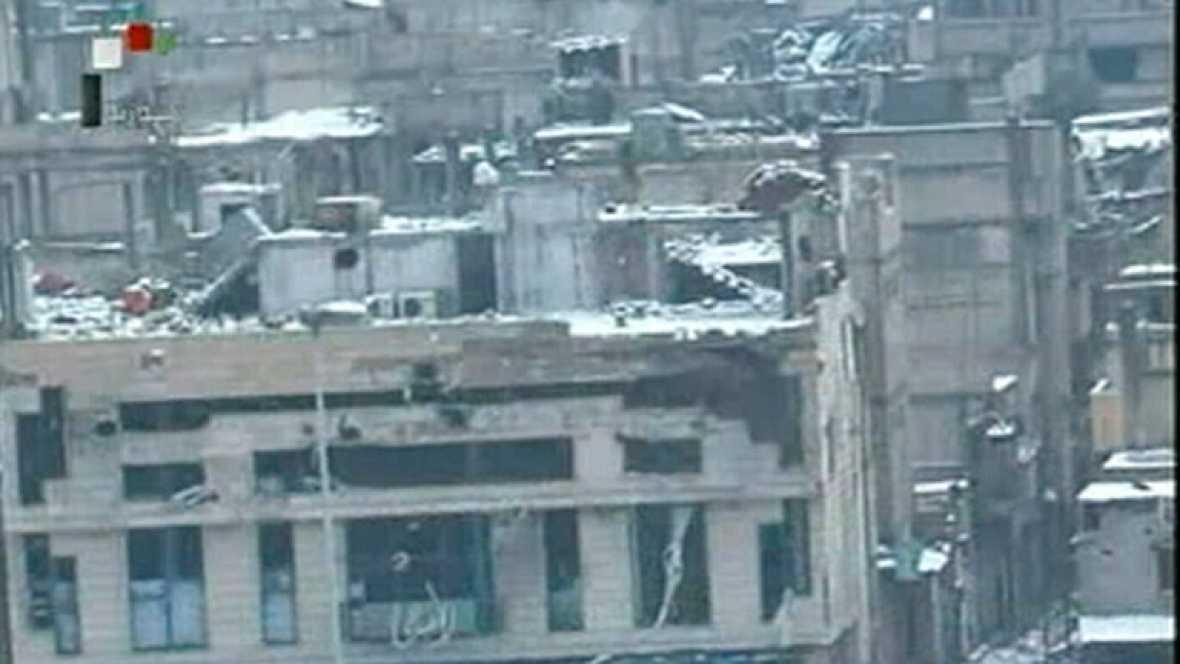 Un convoy de la Cruz Roja llega a Homs con ayuda humanitaria para el barrio de Baba Amro