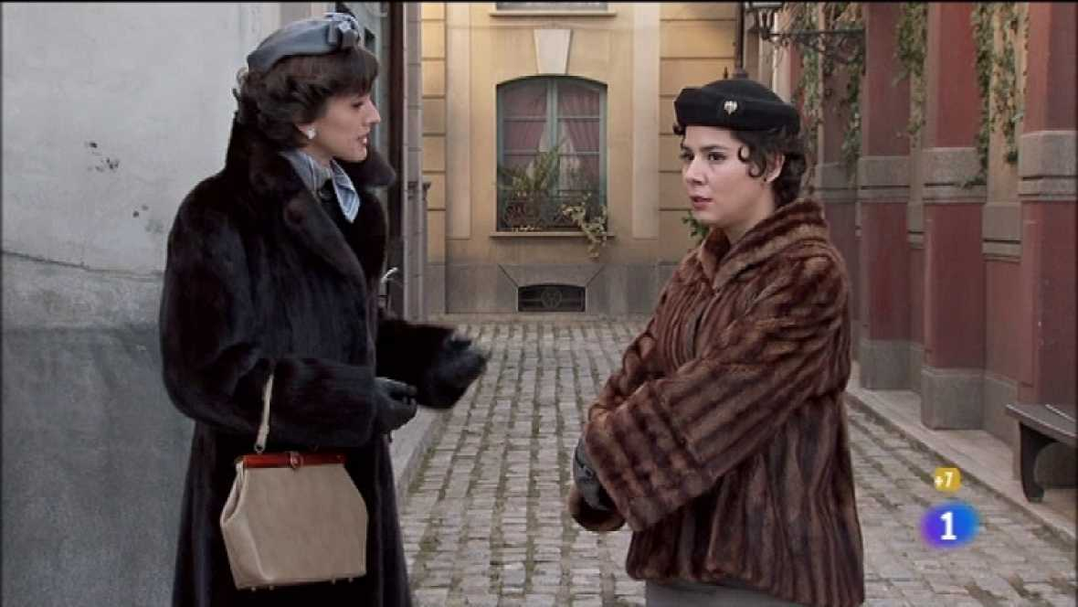 Amar en tiempos revueltos - T7 - Capítulo 125 - Rocío chantajea a Ana con unas fotos íntimas con Teresa - Ver ahora