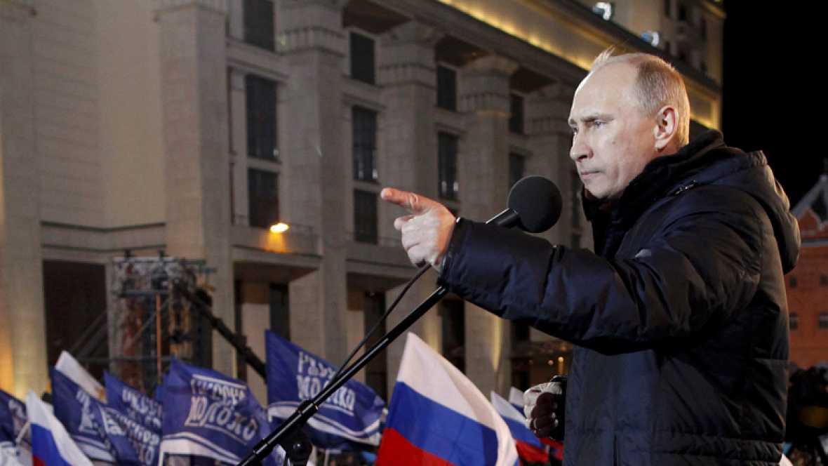 Vladímir Putin celebra en Moscú una amplia  victoria