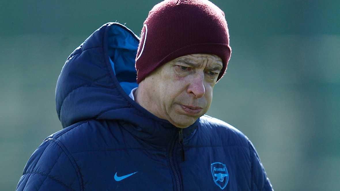 El entrenador francés del Arsenal, Arsene Wenger, es todo un mito en el club londinense pero la sequía de títulos en los últimos años podría costarle su puesto.