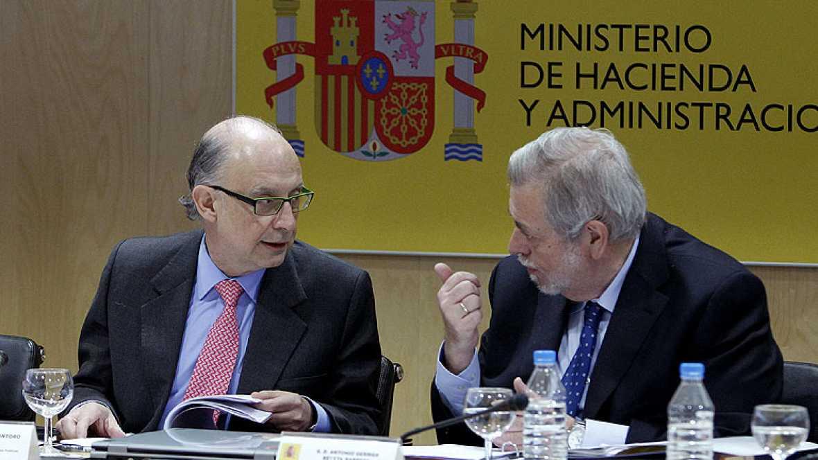 Sólo Andalucía se opone al déficit, mientras Cataluña y Canarias se abstienen