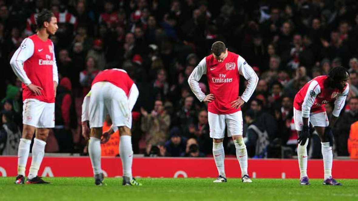 Con un 3-0 ante el Milan, el Arsenal se queda a las puertas de igualar la eliminatoria. El equipo londinense se fue al descanso con ese resultado pero no consiguió marcar en toda la segunda mitad.
