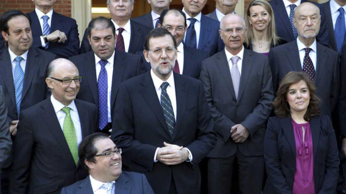 Rajoy asegura que los nuevos presupuestos generales traerán más recortes, sobre todo en la administración pública
