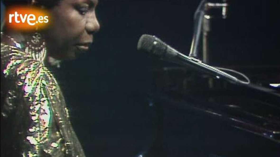Nina Simone canta en 'Sábado noche' (1988)