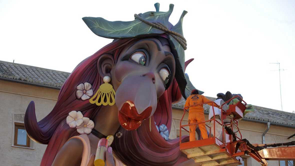 Las calles de Valencia se llenan de sátira con las fallas