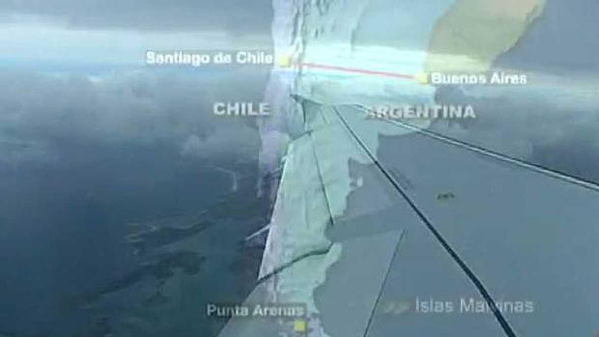 Hoy por hoy, el ùnico vuelo regular que conecta las Islas Malvinas con el resto del mundo tiene una frecuencia semanal y parte del sur de Chile.