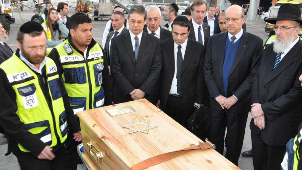 En Jerusalén, miles de personas han asistido al funeral por las víctimas de la matanza de Toulouse