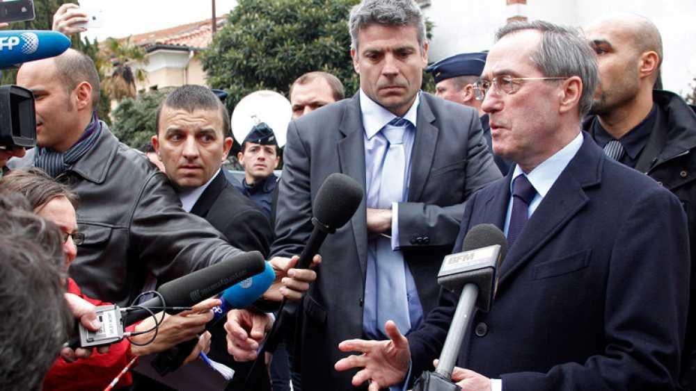 El ministro de Interior francés, Claude Gueant, ha confirmado la muerte de Mohamed Merah, el asesino confeso de siete personas, tras un asedio a su domicilio de más de 30 horas.