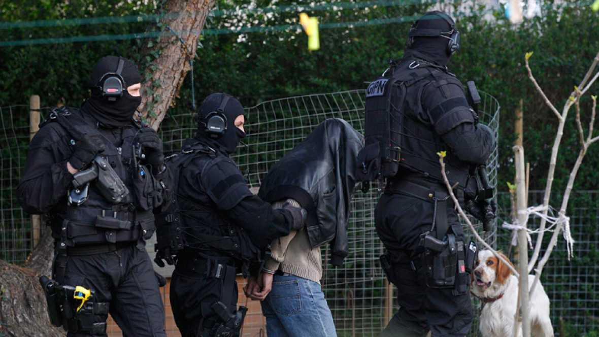 La policía francesa ha detenido a 19 personas presuntamente relacionadas con círculos islamistas