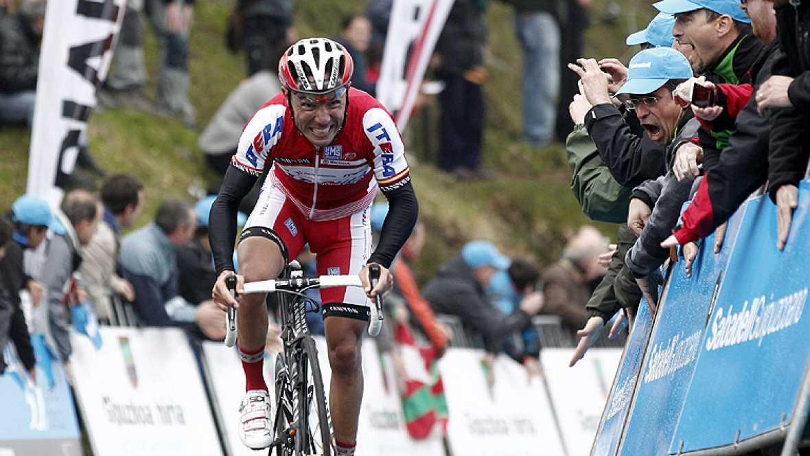 El corredor español Joaquín 'Purito' Rodríguez (Katusha) ha ganado hoy en el alto de Ibardin, final de la cuarta etapa de la 52 Vuelta al País Vasco, y se ha colocado líder de la carrera, por delante del anterior maillot amarillo, el también español