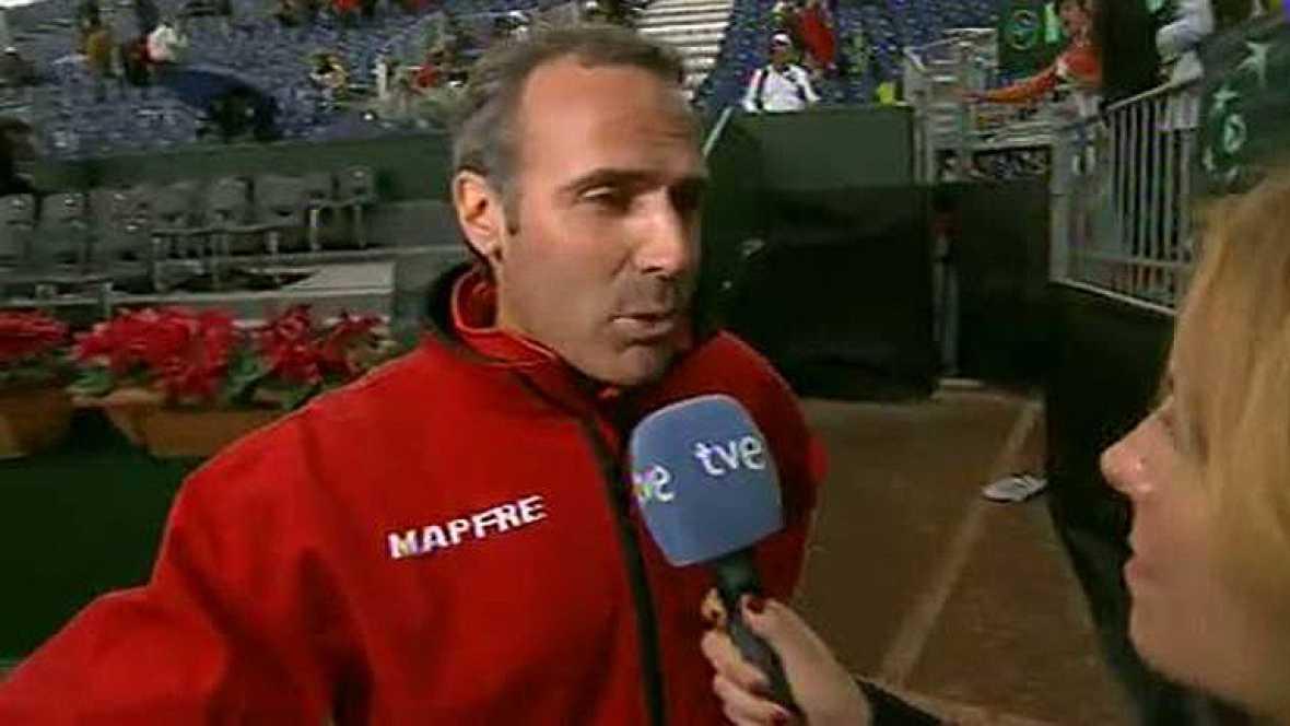 El capitán del equipo español se mostró tranquilo ante las cámaras de TVE a pesar de la lluvia.