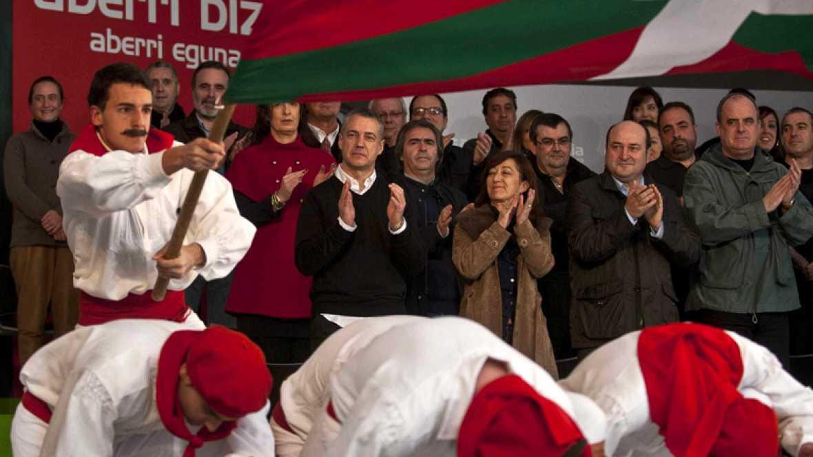 """Urkullu pide a Rajoy que se mueva para lograr la paz porque cree que """"es posible"""""""