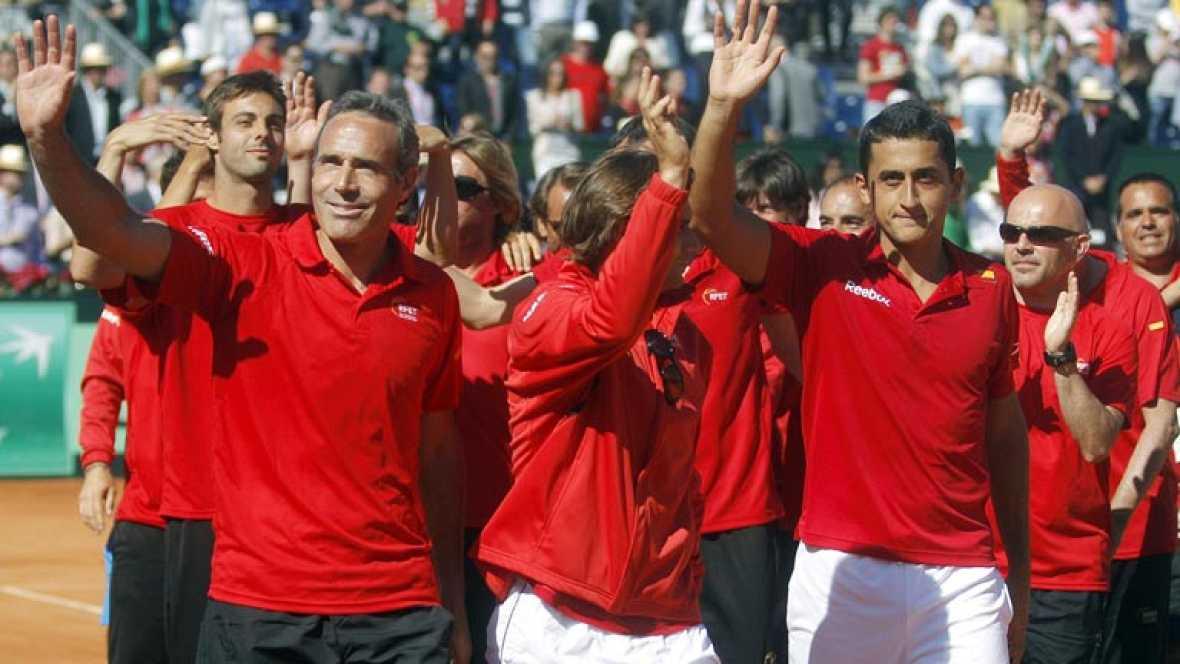 España ha resuelto su eliminatoria frente a Austria gracias a la victoria de David Ferrer contra Jurgen Melzer y jugará la semifinal en casa frente a Estados Unidos.