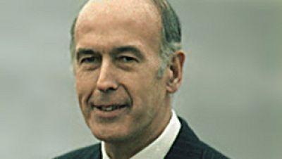 El candidato centrista y tecnócrata Valey Giscard gana las elecciones presidenciales contra pronóstico frente al experimentado François Mitterrand por escaso margen.