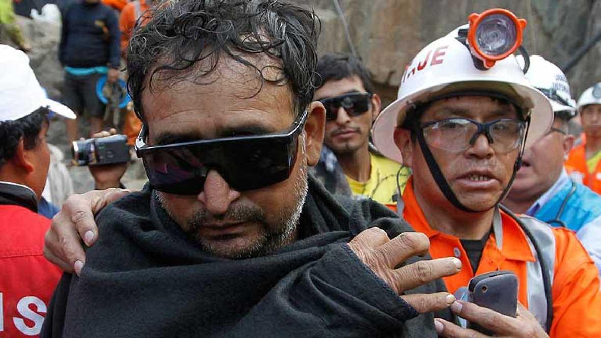 Los nueve mineros rescatados este miércoles en Perú permanecen bajo observación médica y  psicológica.