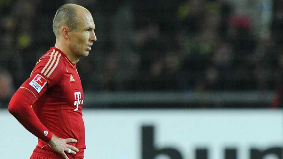 El Bayern de Múnich se dejó media Bundesliga con la derrota que sufrió por 1-0 ante el Borussia de Dortmund que es ahora el claro favorito para hacerse con el título.