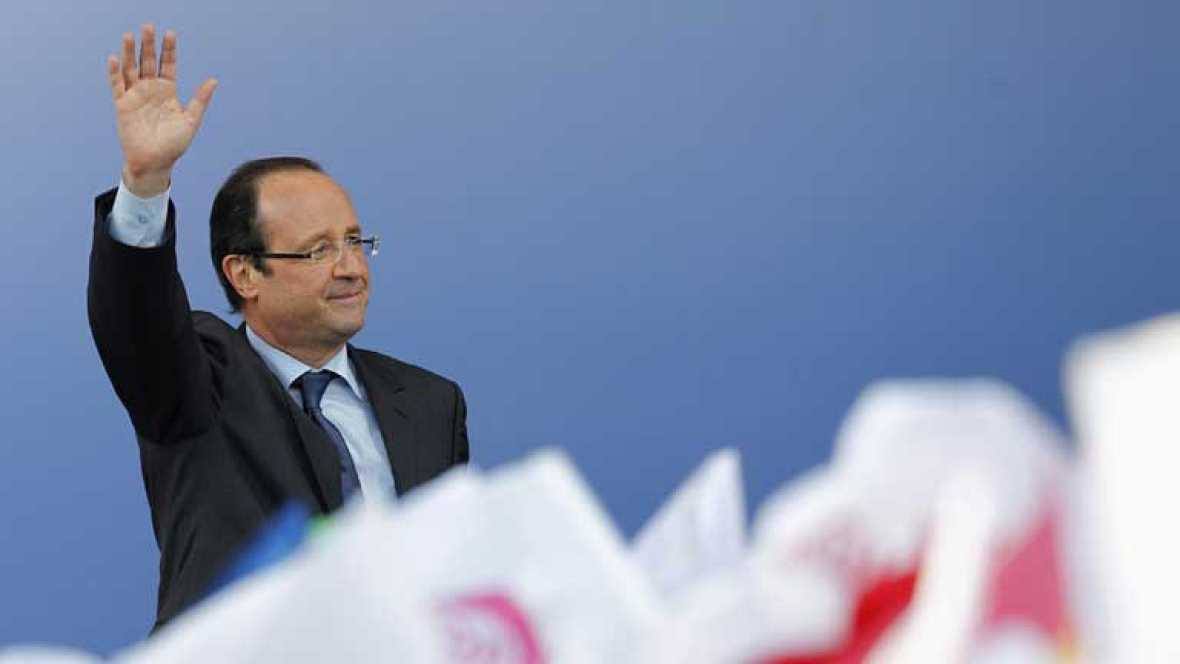 Las encuestas francesas apuntan a un cambio político liderado por François Hollande