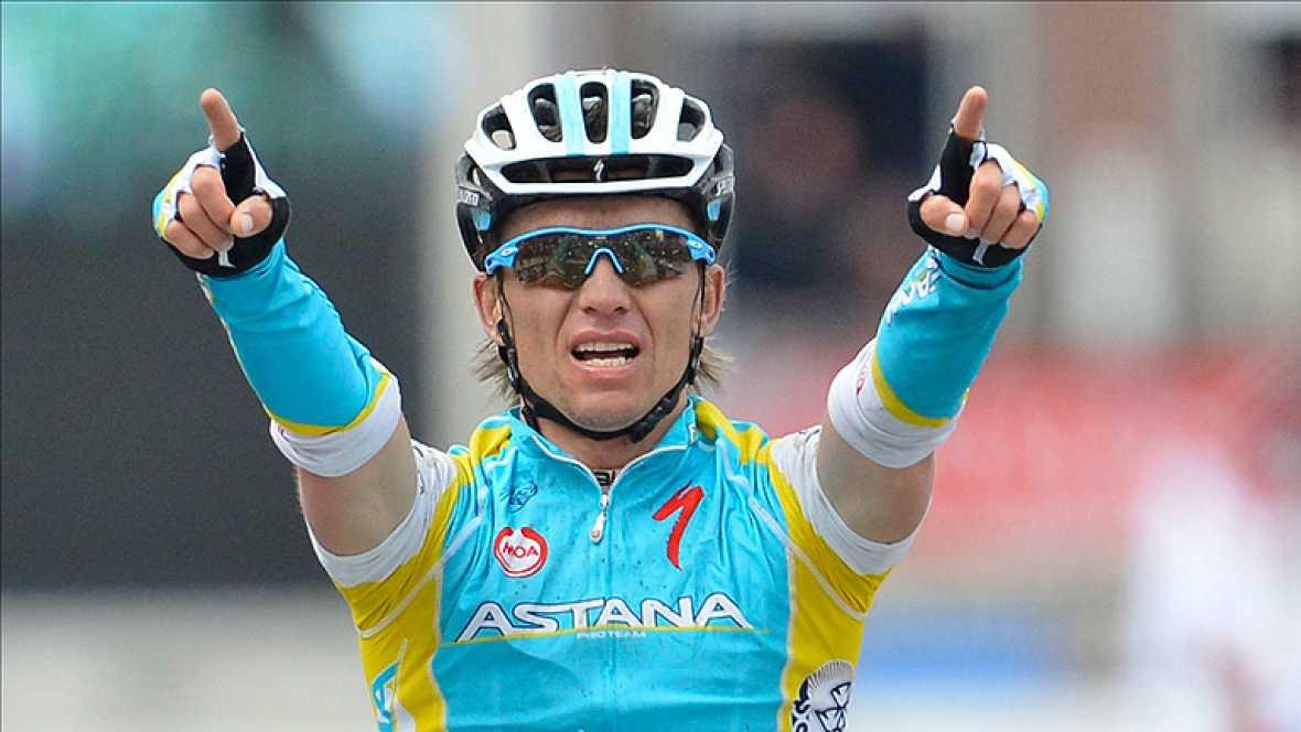 El kazako Maxim Iglinskiy, corredor del Astana, sorprendió a todos los favoritos y se alzó con el triunfo en la Lieja-Bastoña-Lieja, en Bélgica, gracias a un último ataque que le permitió alcanzar en solitario la línea de meta. Ilginski, que invirtió