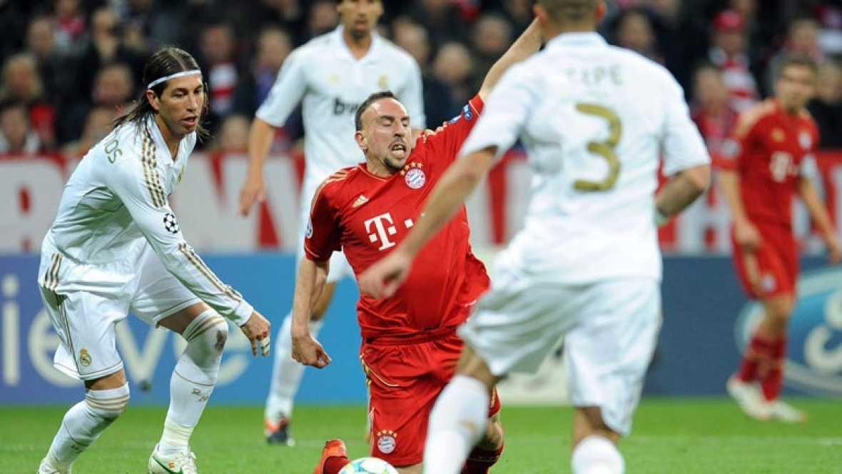 Los blancos están obligados a dar la vuelta al 2-1 de la ida, una situación parecida a la que vivió el equipo en 2002 cuando ganó la novena Copa de Europa. Algunos jugadores, como Ramos y Alonso, están apercibidos y no jugarían la final en caso de ve