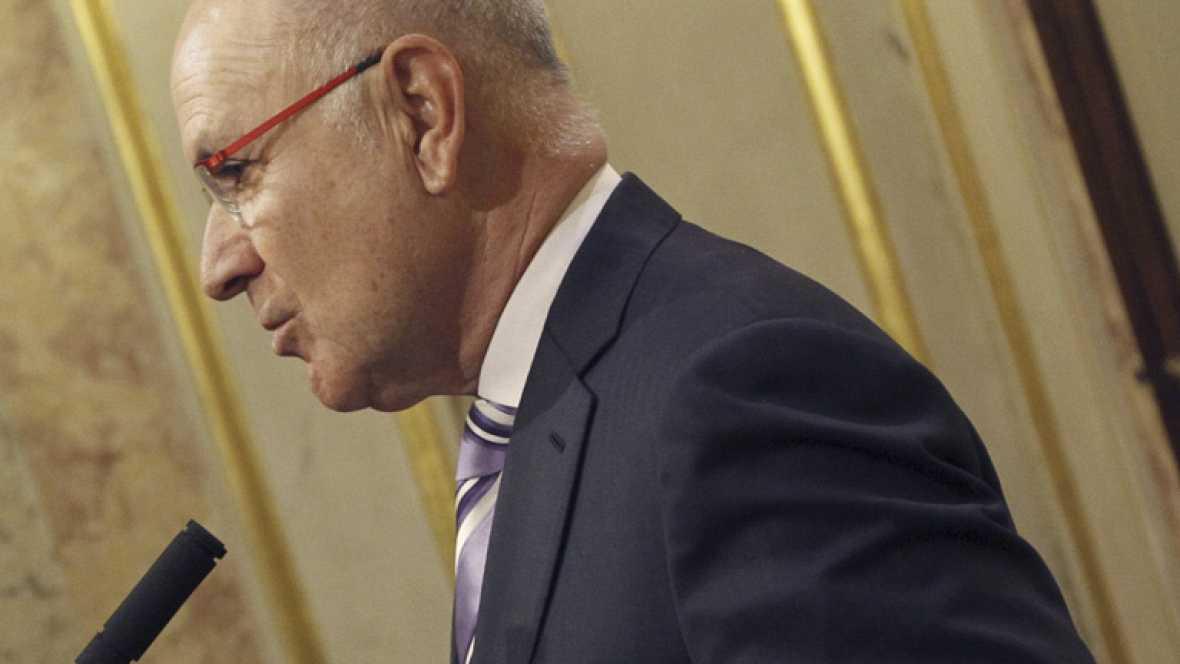 Todos los partidos de la oposición critican los Presupuestos del Estado defendidos por Montoro