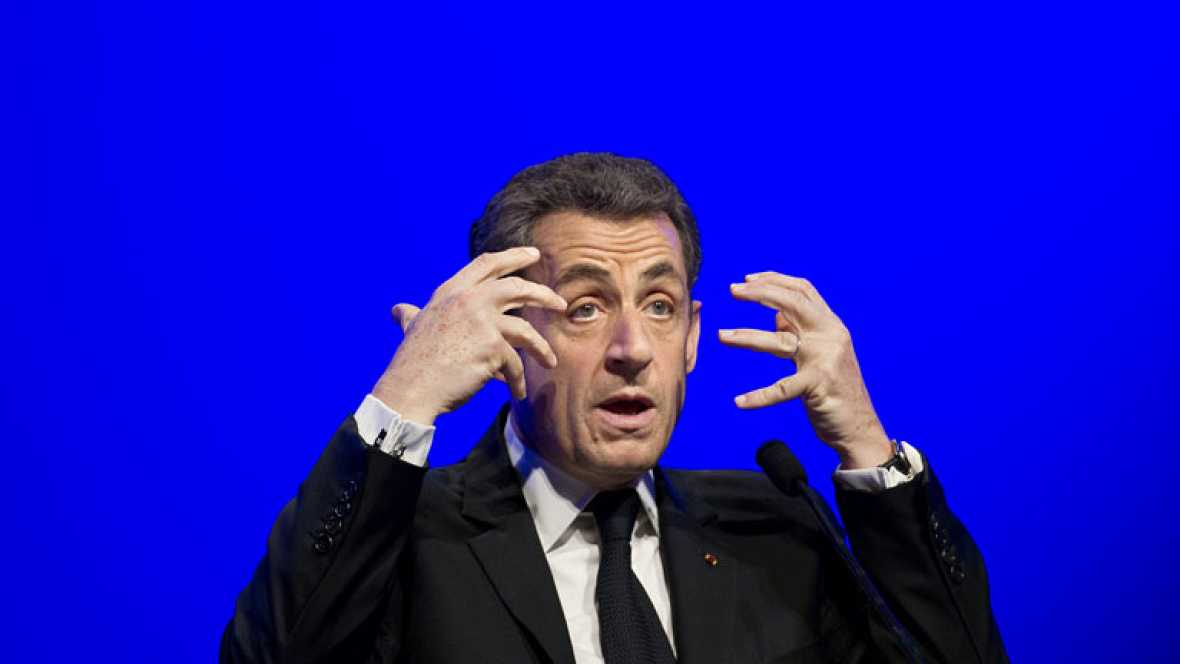 Sarkozy se centra en la segunda vuelta de las elecciones con más guiños a la extrema derecha
