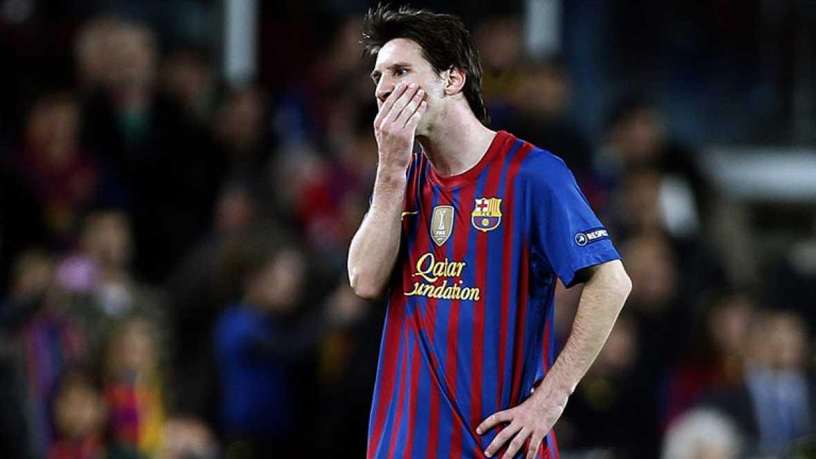 El FC Barcelona ha quedado eliminado de la Champions League después de empatar 2-2 ante el Chelsea que consigue así su pase a la final que se jugará en Múnich. Busquets e Iniesta marcaron por los azulgrana; Ramires y Torres, por el equipo 'blue'. Mes