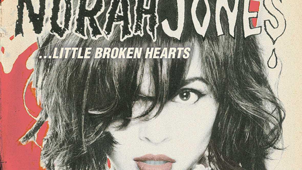 La cantante estadounidense Norah Jones presenta su nuevo trabajo, 'Little broken hearts'. El primer single ese este  'Happy pills'