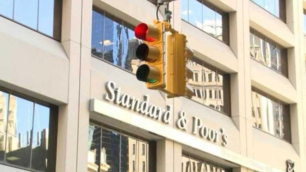 Standard & Poor's rebaja dos escalones la calificación de riesgo española
