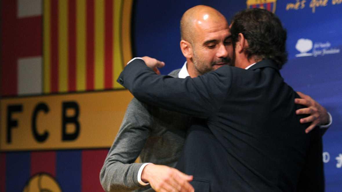 """El técnico azulgrana Pep Guardiola ya ha deshojado su margarita particular...y el resultado es que no seguirá en el Barcelona. Después de cuatro años en el cargo, abandona el puesto por """"desgaste"""". Su sustituto en el banquillo será Tito Vilanova. Lo"""