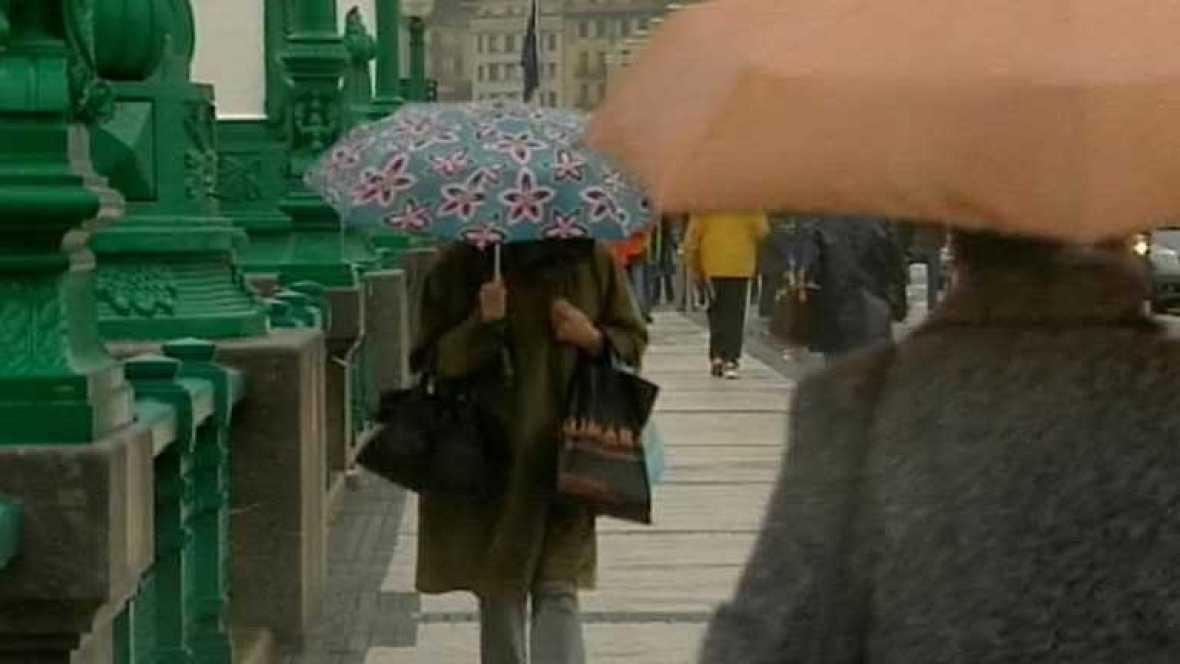 Continúa la lluvia en casi toda España, que será fuerte en el Estrecho